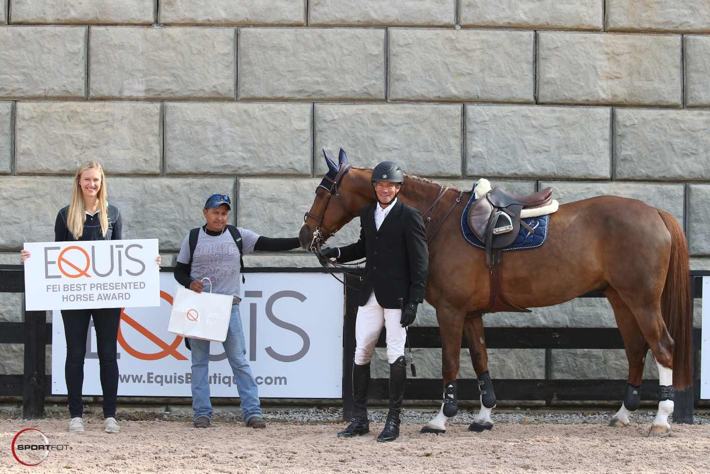 Basje Earns Equis Boutique Best Presented Horse Award at
