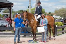 Cashew CR Named Equis Boutique Best Presented Under 25 Horse
